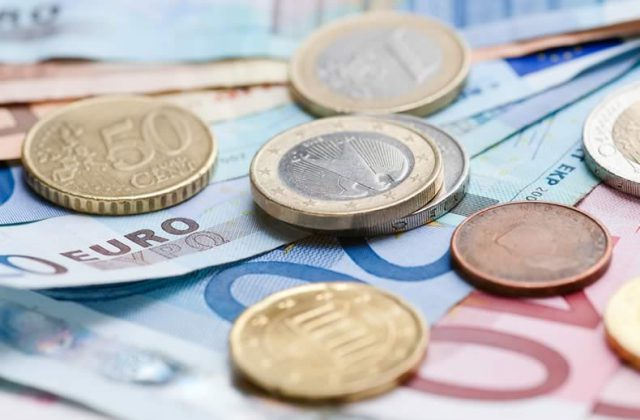 Pound Sterling Euro Exchange Rate News Gbp Eur Buoyed By Weak Eurozone Inflation To